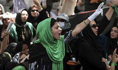 Czy drogie jaja obalą teokrację w Iranie?